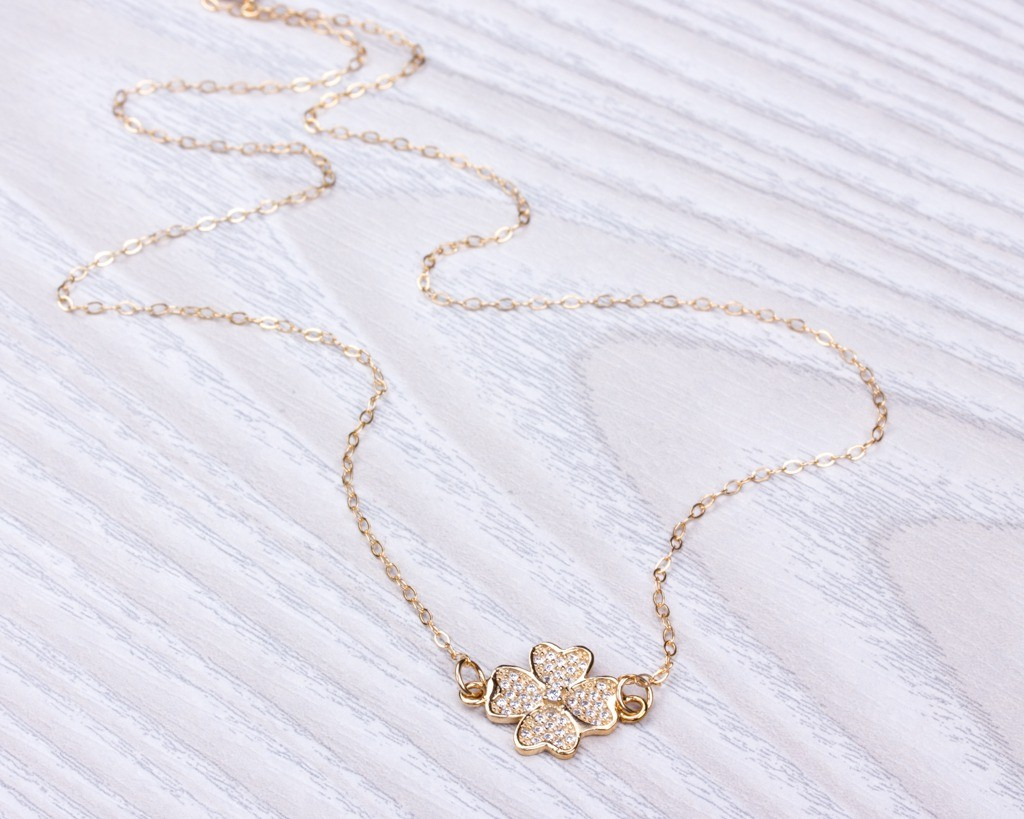 clover hugerect luulla gold on product necklace four leaf in