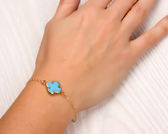 "Four leaf clover bracelet, turquoise bracelet, black bracelet, good luck gift, best friend bracelet, bridesmaid gift, clover jewelry,""Musica"""