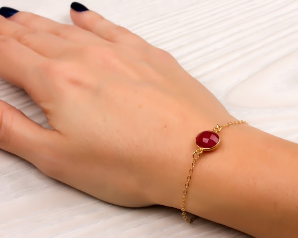 "Ruby bracelet, stone bracelet, bridesmaid bracelet, july birthstone, gold bracelet, best friend bracelet, genuine ruby, ""Myrtoessa"""