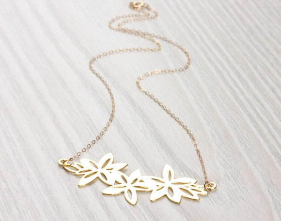 Flower Statement Necklace, Lilly Necklace / Gold Statement Necklace, Bridesmaid Necklace / Flower Necklace | Langia