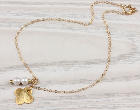 "Pearl anklet, gold clover bracelet, pearl ankle bracelet, four leaf clover bracelet, gold filled anklet, bridesmaid gift, ""Abarbaree"""