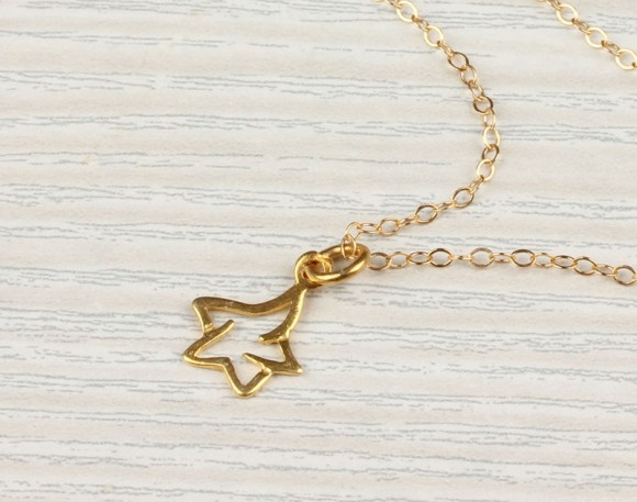 "Star Necklace, Gold Star Necklace / Tiny Star Necklace, Charm Pendant / Bridesmaid Necklace, Gift Under 25 | ""Falling Star"""