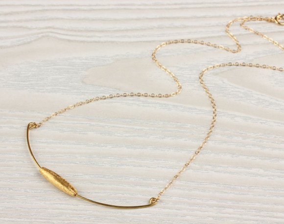 """Curved Bar necklace, 14k gold filled chain / Gold Bar necklace, everyday necklace / Necklace For Girlfriend 