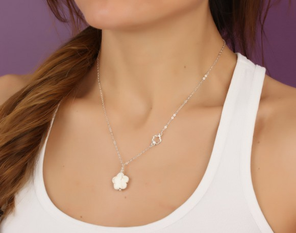 """Flower Necklace, Flower Girl Gift / White Flower Necklace, Silver Flower Necklace / Chrysanthemum Necklace, Bridesmaid Necklace 