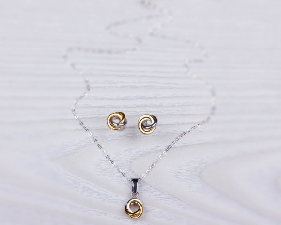 "Bridesmaid Gift, Three Circle Necklace / Necklace Earring Set, Matching Set / Silver Knot Necklace, Stud Earrings / Layered Necklace | ""Ioke"""