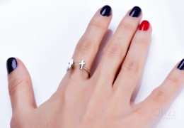 Minimalistic Silver Ring / Moden Silver Cross Ring | Zeuxippe